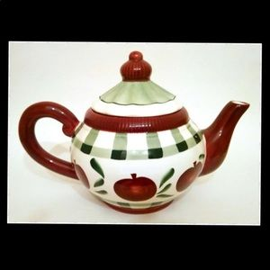 Young's Country Cermaic Teapot